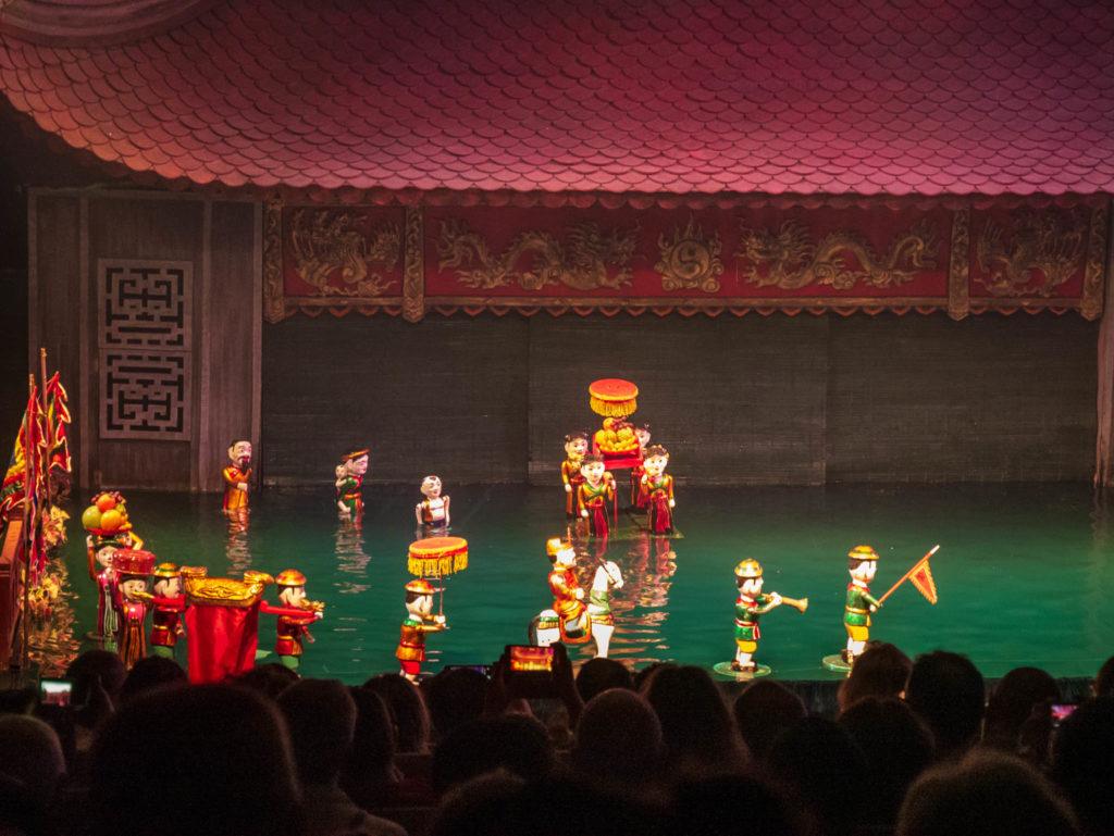 Une scène du spectacle des marionnettes sur l'eau