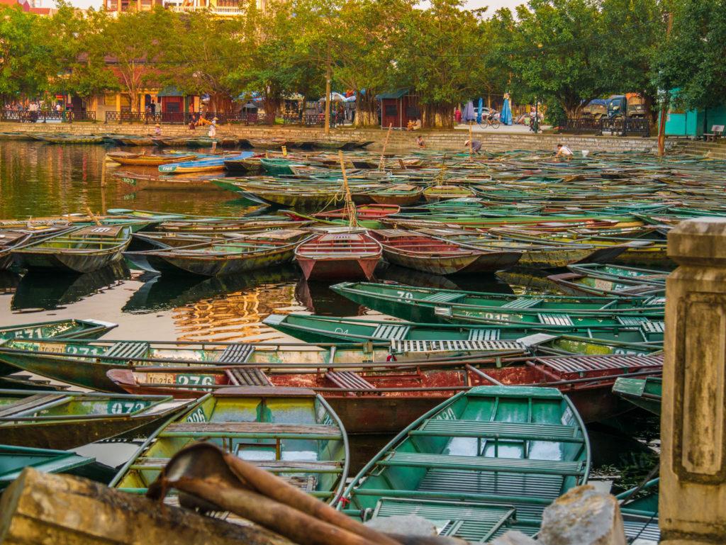 Lumière exceptionnelle sur les barques au coucher du soleil