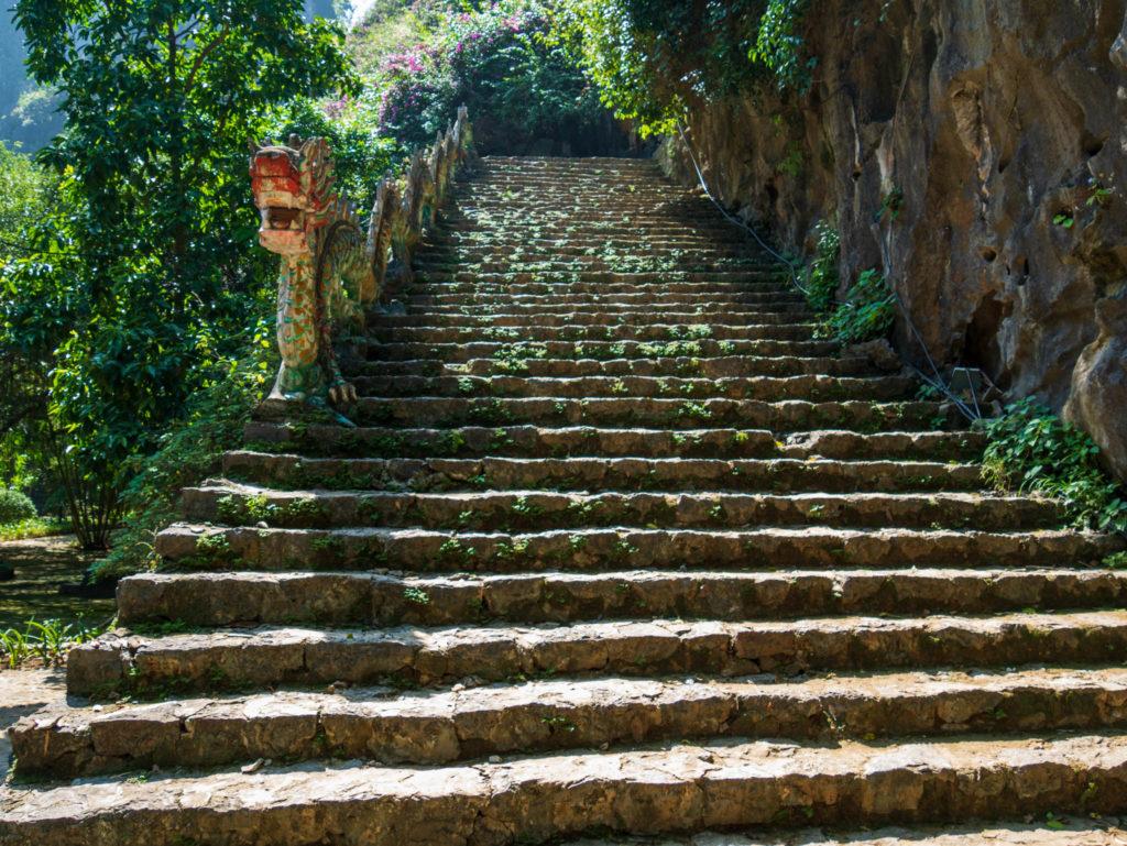Les premières marches de la Mua mountain