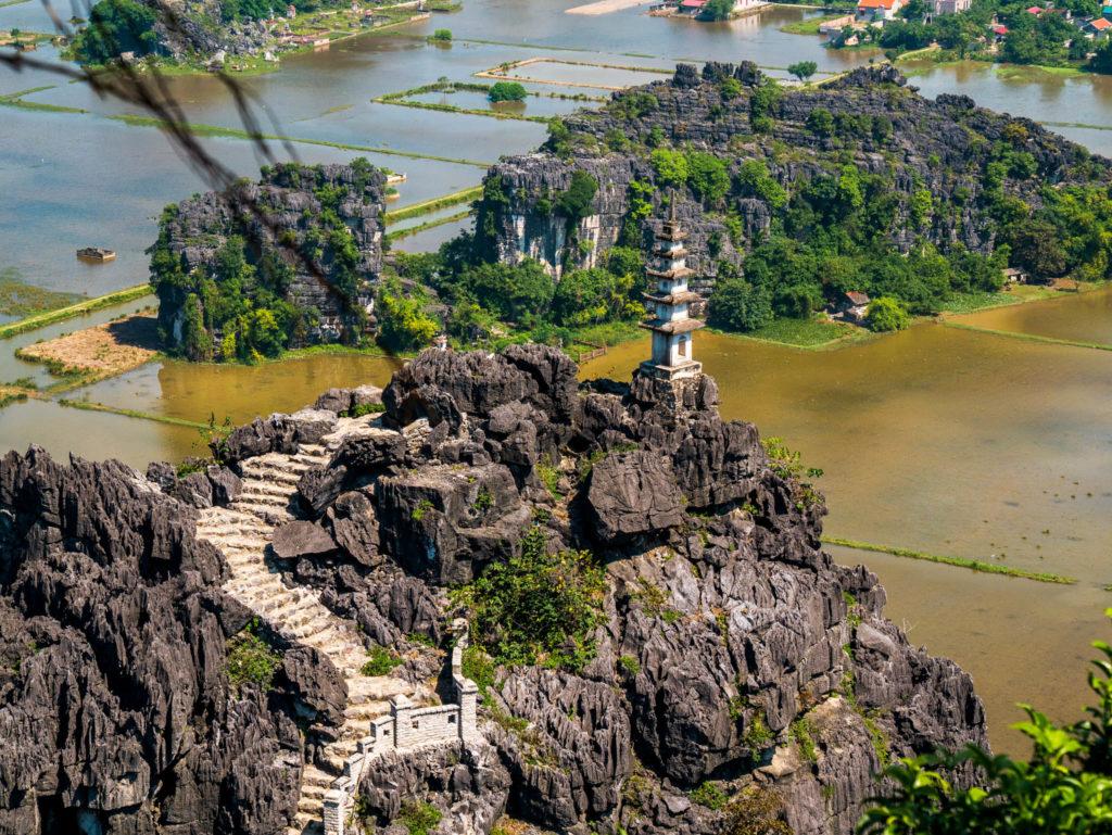 Une pagode de la Mua cave