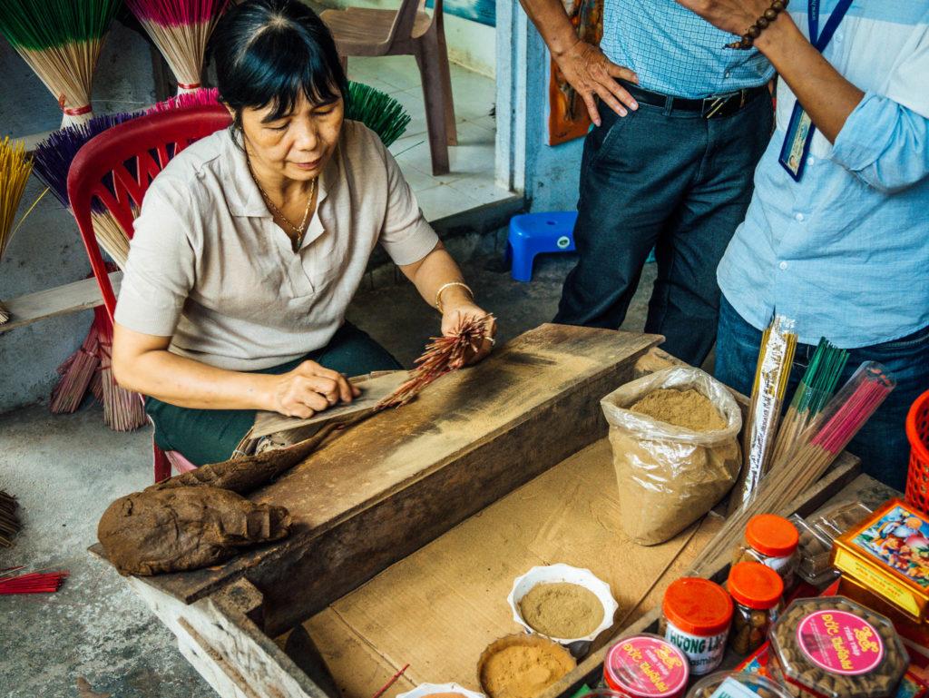 Fabrication de bâtonnets d'encens
