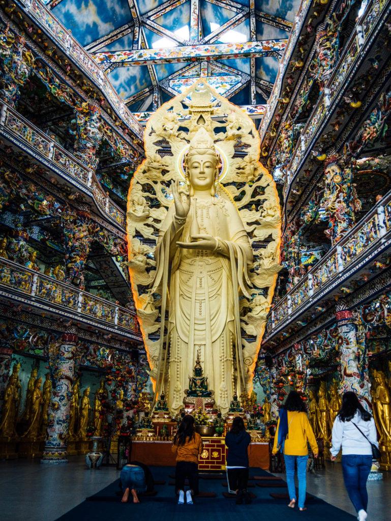 Le bouddha géant de la pagode