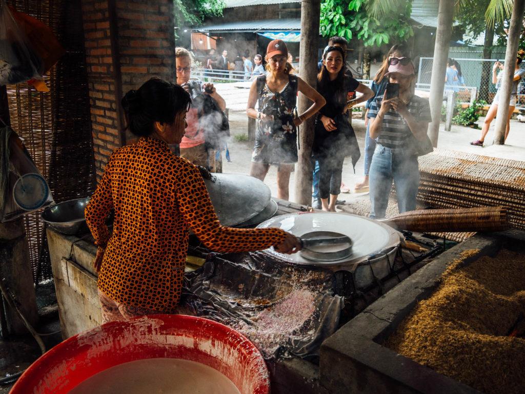 Préparation des feuilles de riz