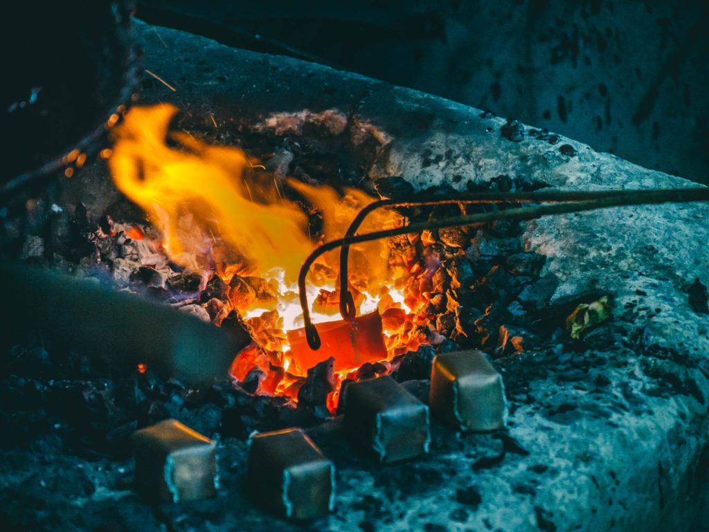 La fabrication de boites en cuivre