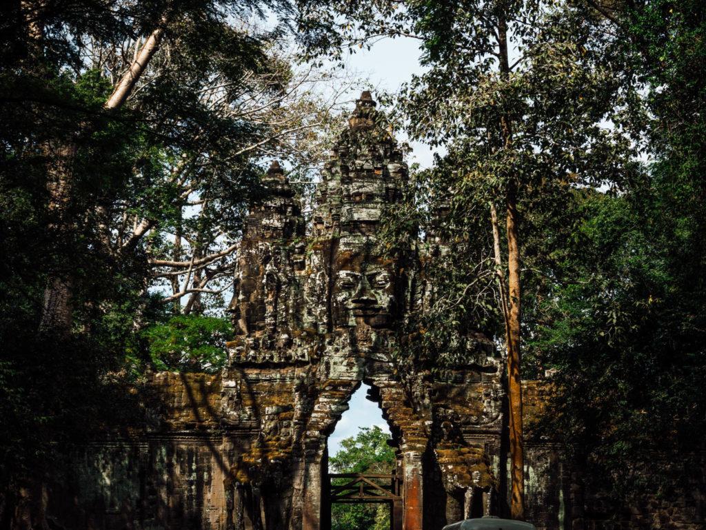 Une entrée d'un temple
