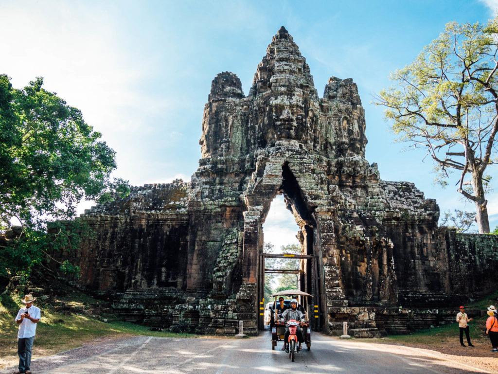 Une entrée d'Angkor Thom, dernière capitale de l'empire Khmer
