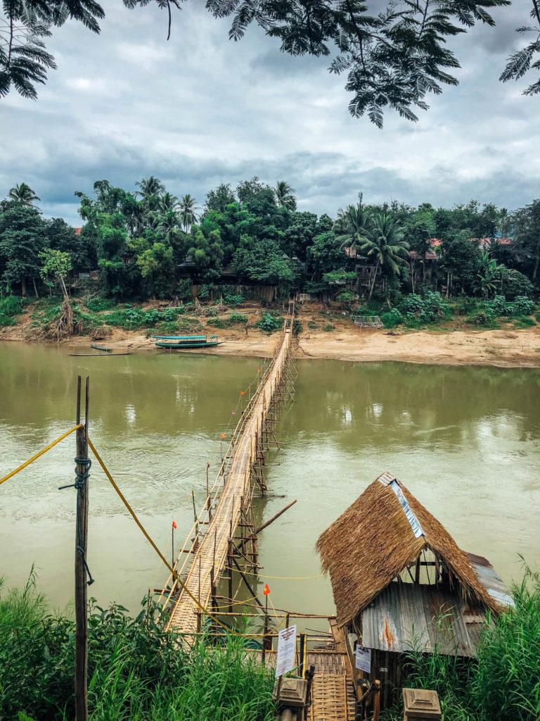 Un des ponts en bambou