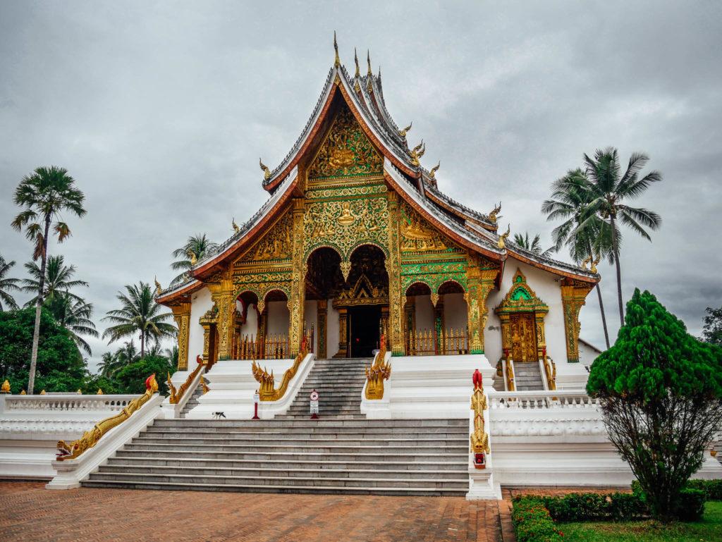Le temple collé au palais