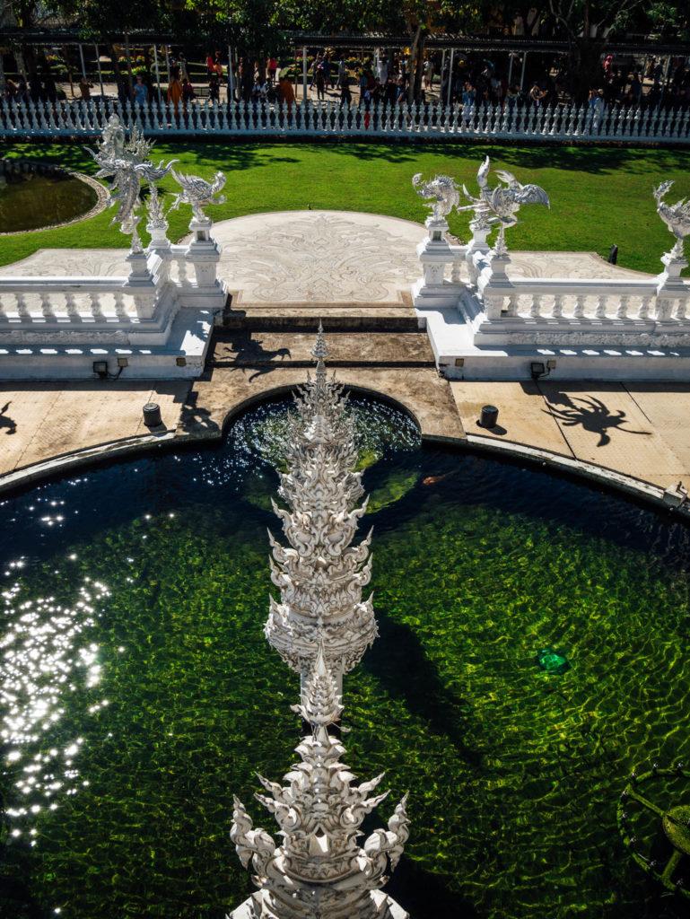Les bassins autour du temple