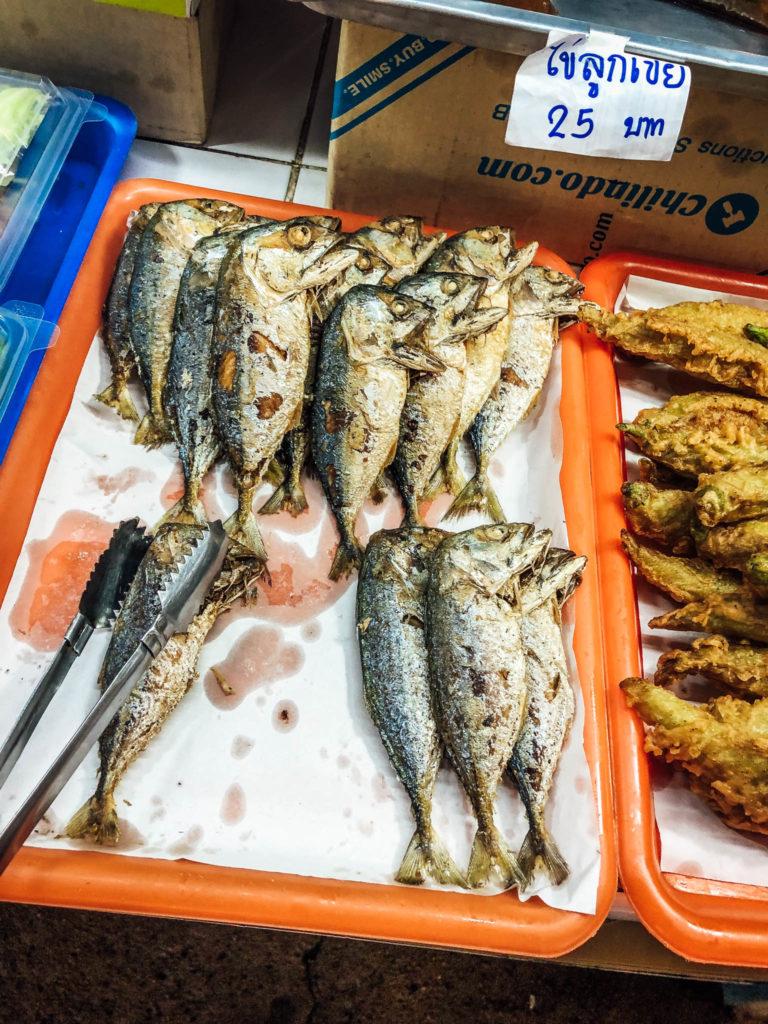 Des poissons au marché