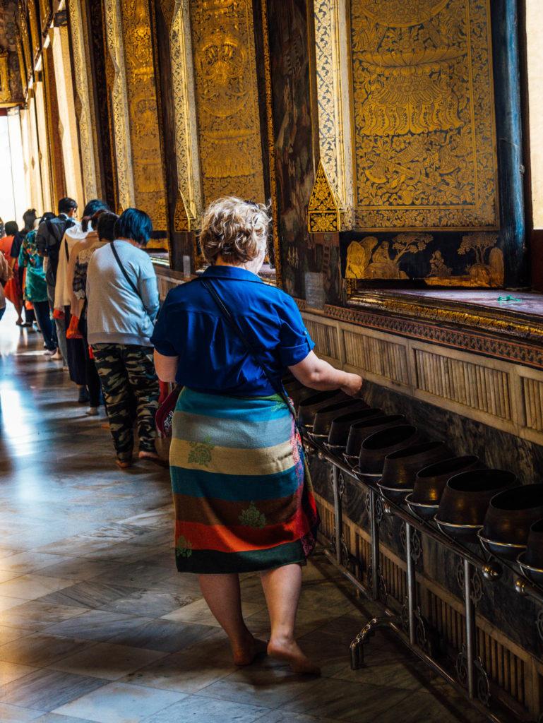 Les offrandes à bouddha