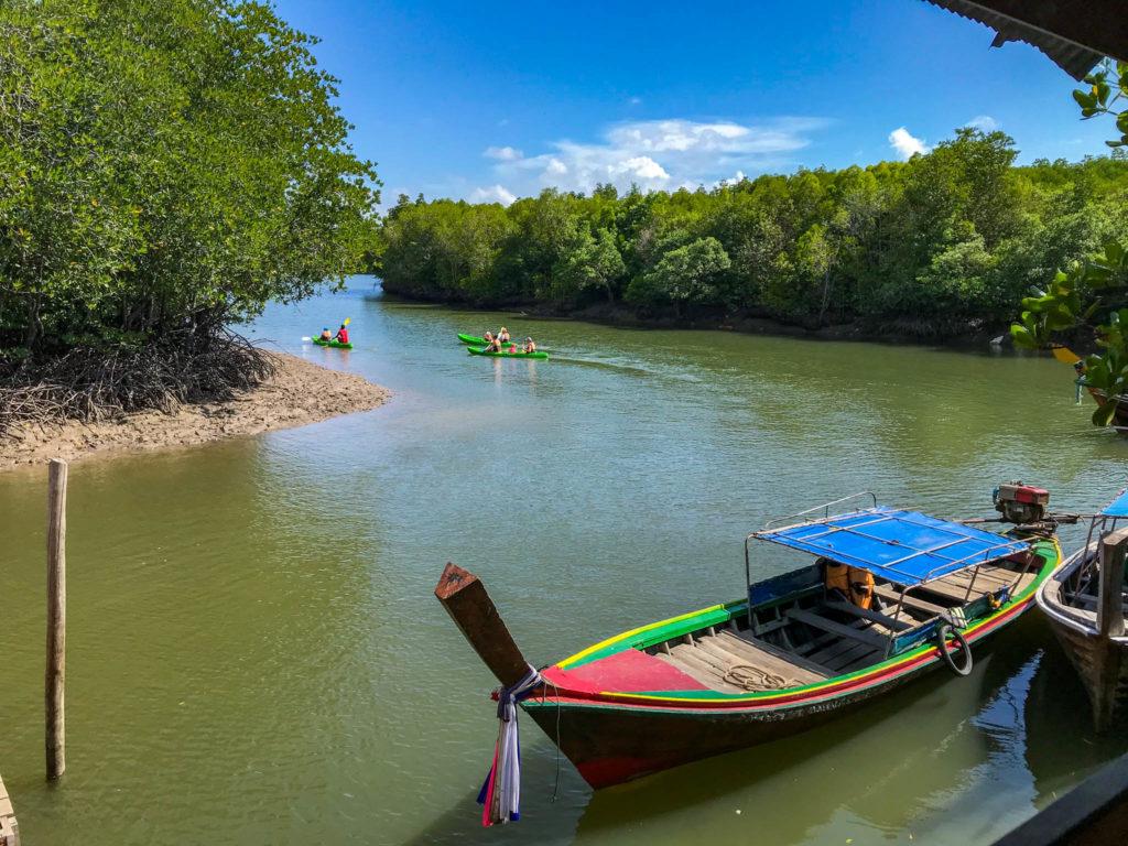 L'embarcadère pour faire du kayak