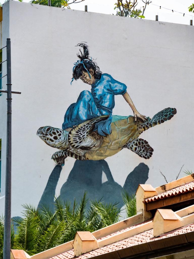 Une jeune fille et sa tortue