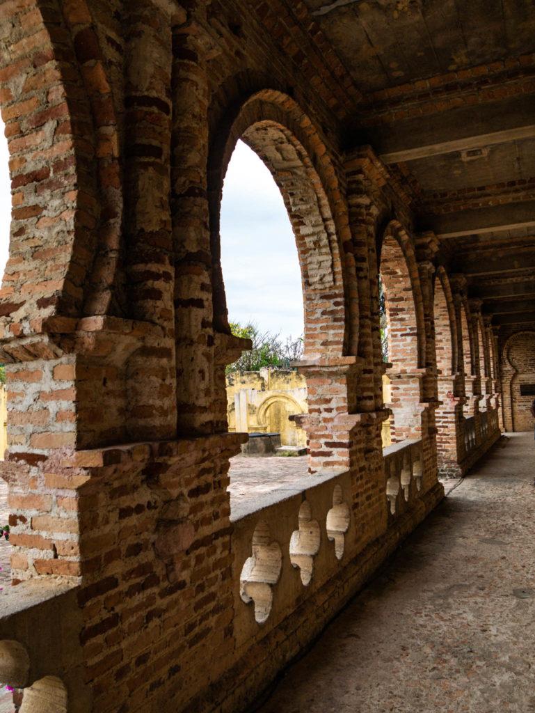 Le porche du château