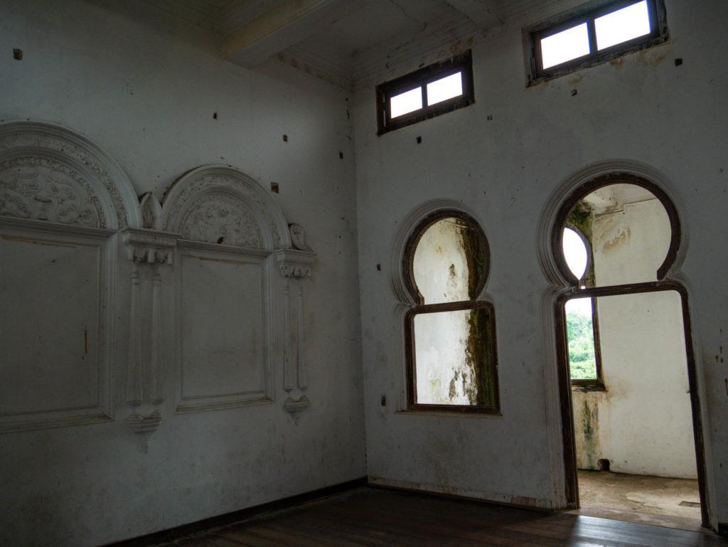 L'intérieur d'une des chambres