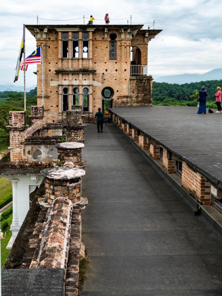 Le toît du château