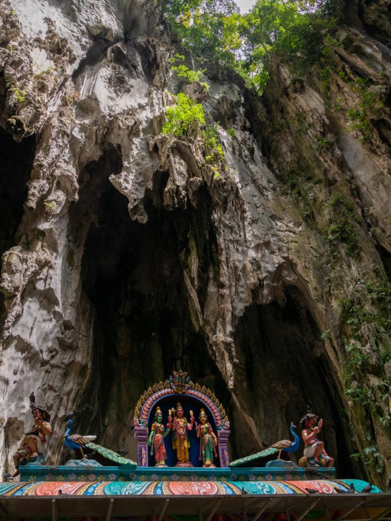 Le bout de la grotte ouvert sur l'extérieur