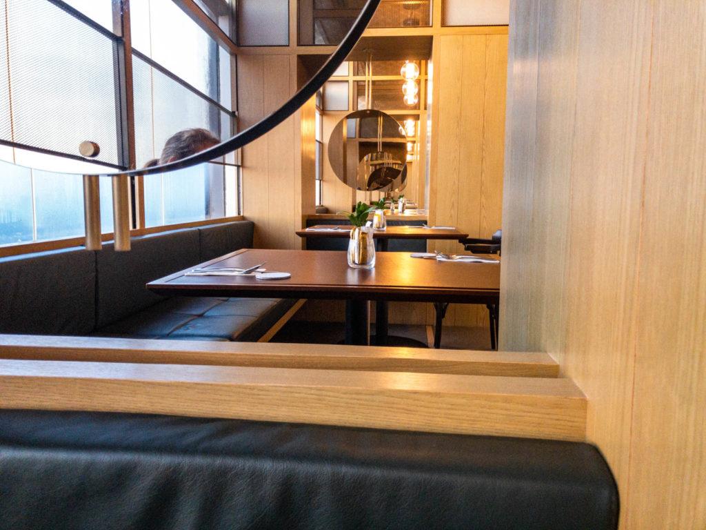 Les tables avec vue sur la ville