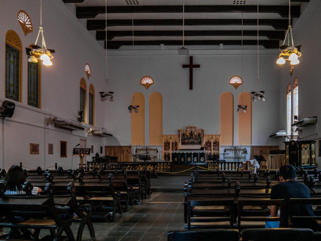 L'église vue de l'intérieur