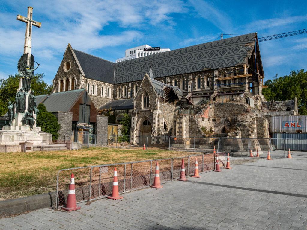 La cathédrale en ruines