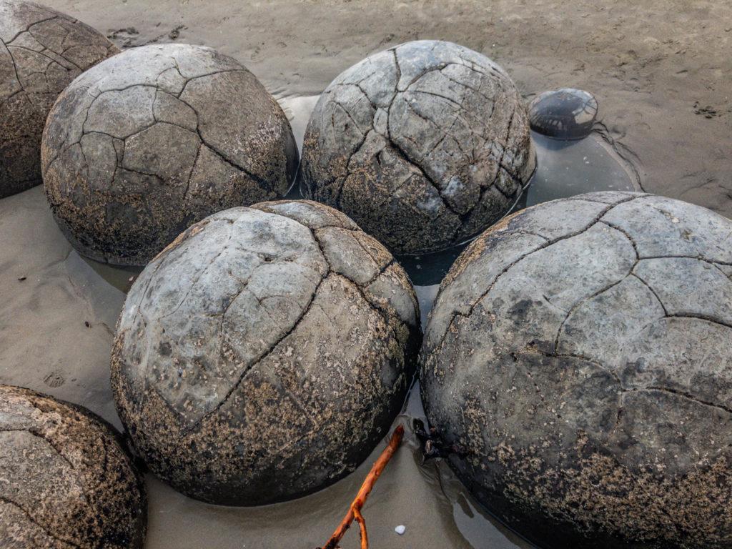 Un groupe de boulders, tous entiers