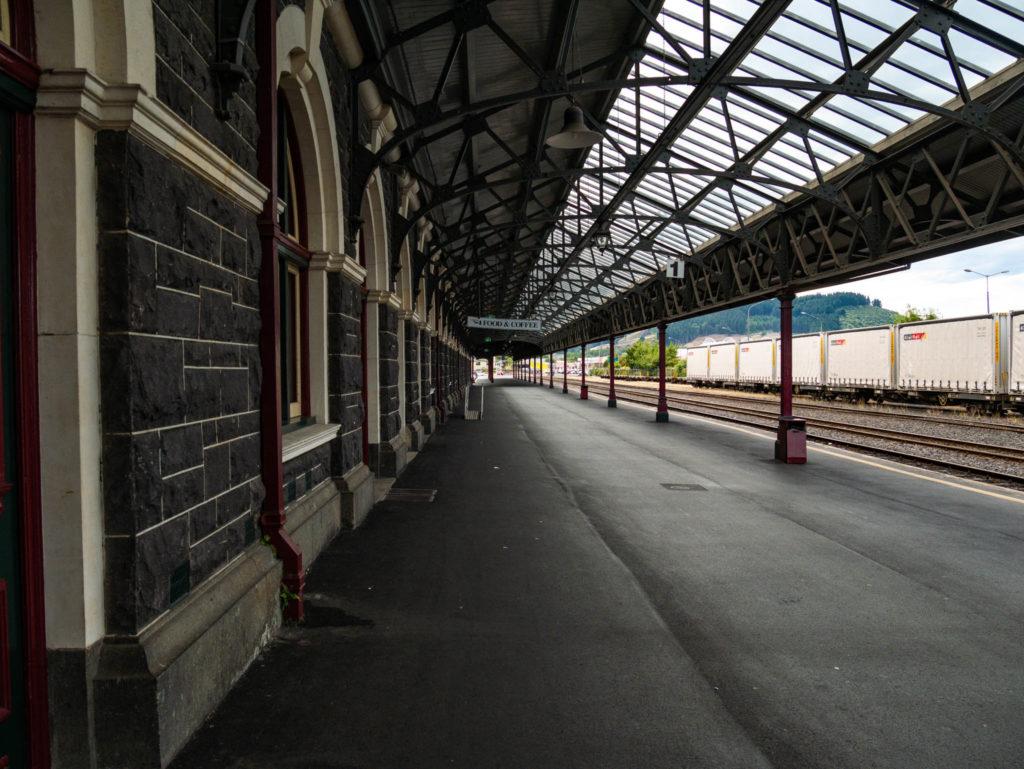 Le quai de la gare de Dunedin