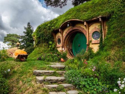 Accueillis chez les Hobbits