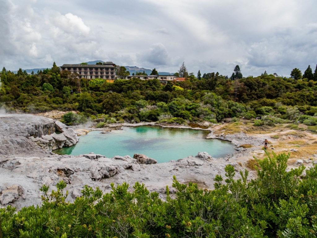 La piscine d'eau chaude réservé aux Maoris