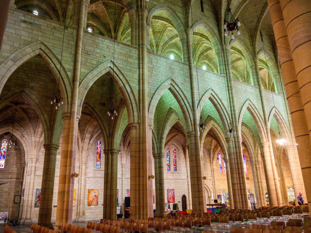 L'intérieur de la cathédrale Saint John