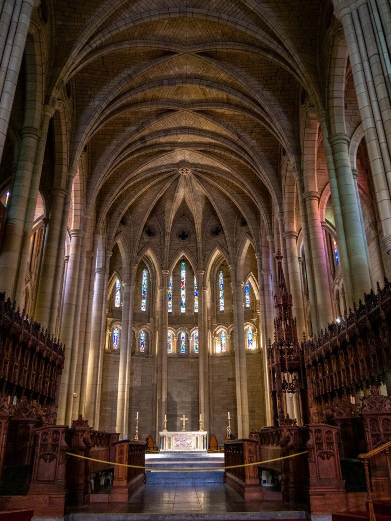 La nef de la cathédrale Saint John