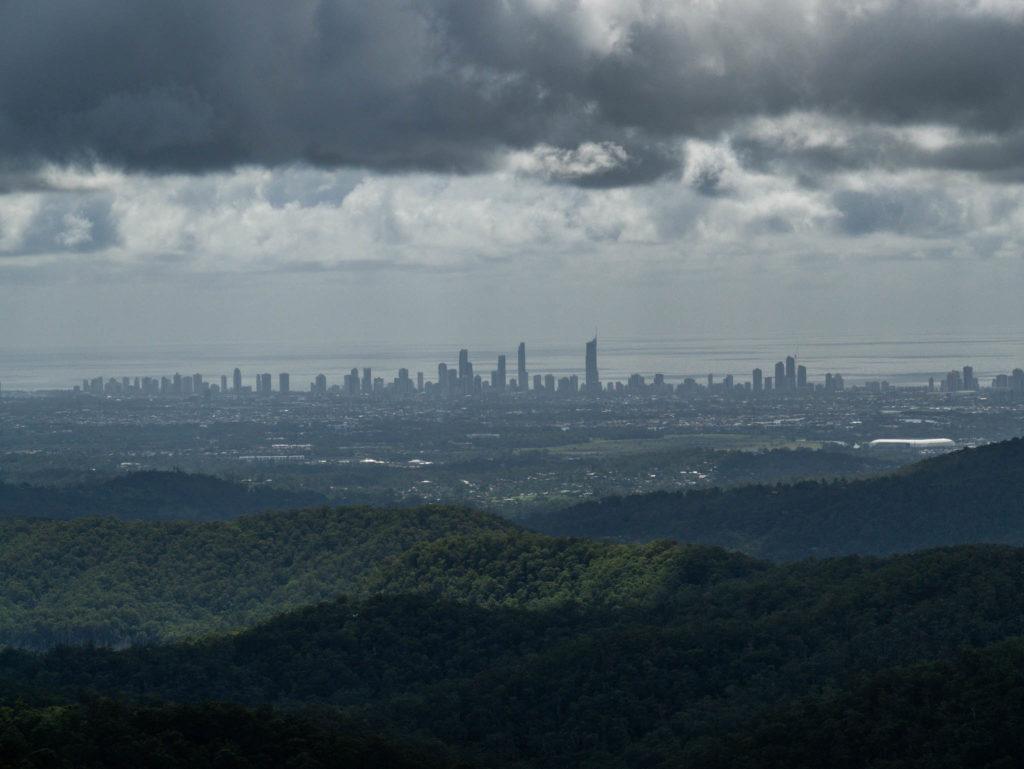 Brisbane au loin